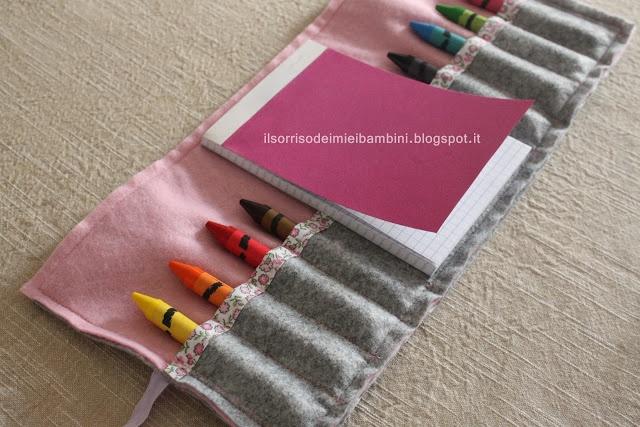 Kit da viaggio per disegnare  Felt crayon holder tutorial