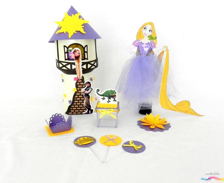 Evento: aniversário - menina - 5 anos Tema: Rapunzel / Enrolados Produto: Kit Rapunzel (centro de mesa, tubete princesa, caixa acrílica, latinha mint to be, forminhas, toppers)