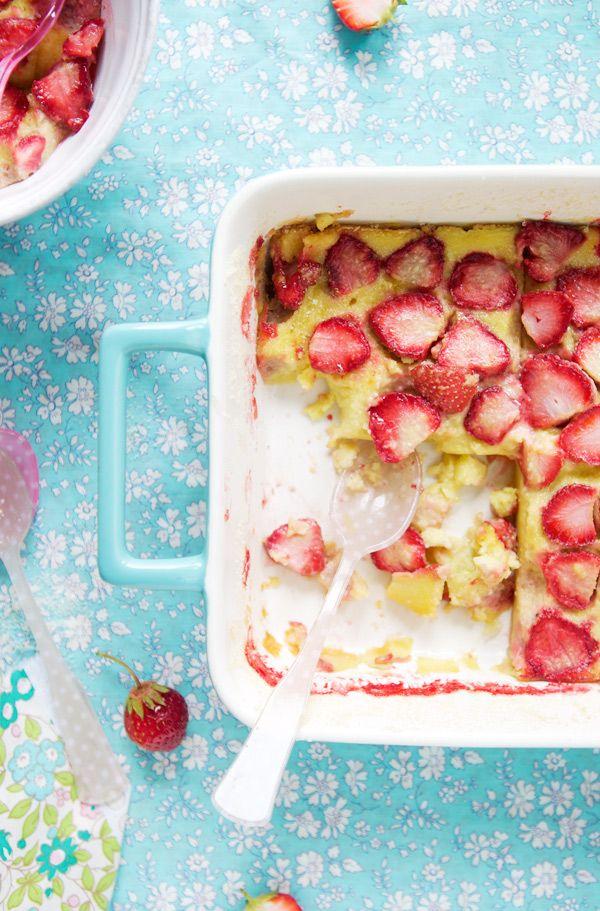 Gluten free Strawberry Clafoutis: Strawberries Cooking, Food 2015, Strawberries Cakes, Sweet, Free Strawberries, Food Styling, Strawberries Seasons, Mood Food, Strawberries Clafouti