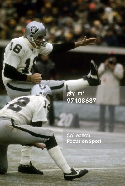 1972 oakland raiders | News Photo: s Quarterback Kicker George Blanda of the Oakland…