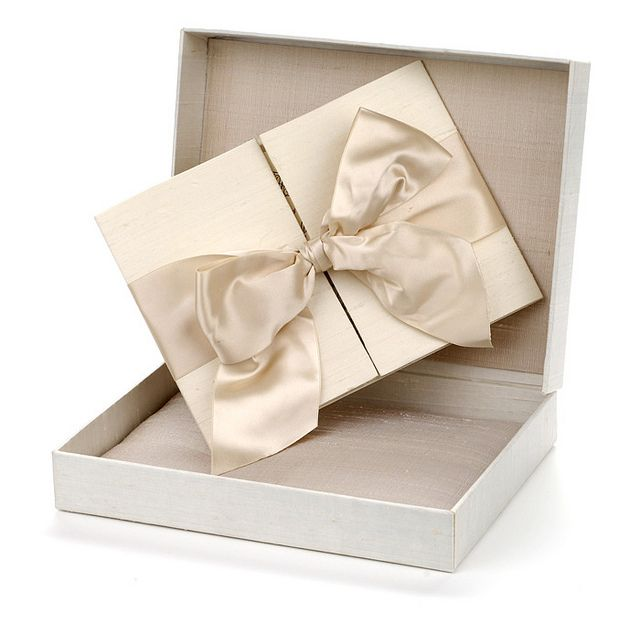 Incredibly Gorgeous Couture Wedding Invitations by Lehr and Black by modwedding, via Flickr