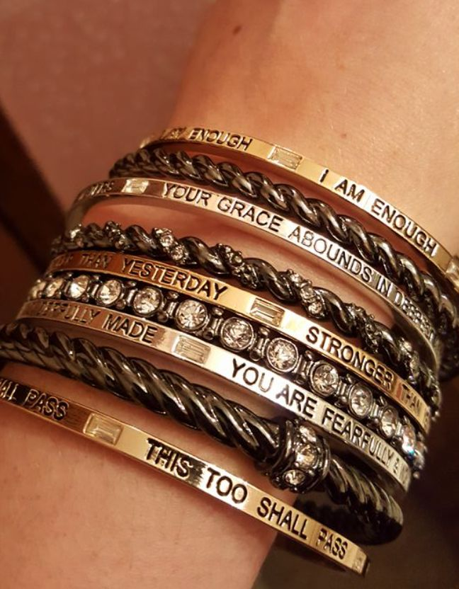 Love this new bracelet that came out in the 2016 holiday line.