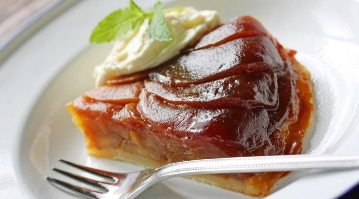 #valentinesday #romanticdinner #romanticdinneroptions #dessert #dessert options #yummydessert #gourmetdessert #gourmetfood  Love Is In The Air by Anais Tarte Tatin served with its French vanilla ice cream