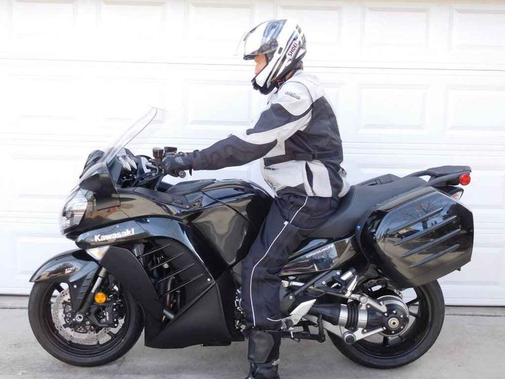 Used 2015 Kawasaki CONCOURS 14 ABS Motorcycles For Sale in Arizona,AZ. 2015 Kawasaki Concours 14 ABS FOR SALE. Black. Only 297 miles (no, it's not a typo). $10,999. Located in Prescott, AZ. Excellent condition except for a scrape and a small crack in the main fairing (from when I dropped it at a MSF class). Completely Stock, except for a new rear tire due to a puncture at 40 miles. Includes both hard bags. See attached photos. I hate to sell it, but this machine is just too much for me to…
