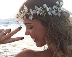 Coroa de Flores de Lírios Brancos
