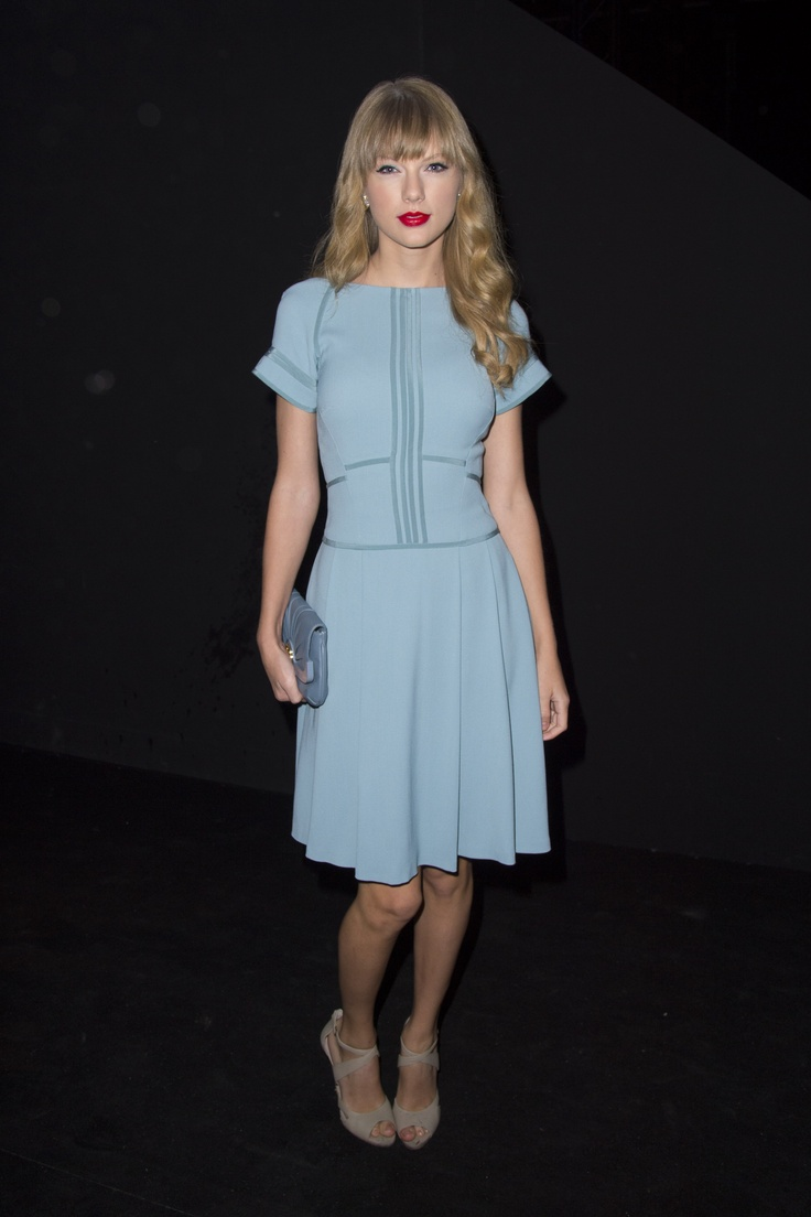 Taylor Swift attends the ELIE SAAB Ready-to-Wear Spring Summer 2013 Fashion Show.