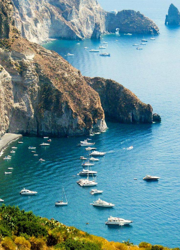 Lipari, Isole Eolie – Messina 18 spiagge (assolutamente) da vedere in Sicilia   WePlaya
