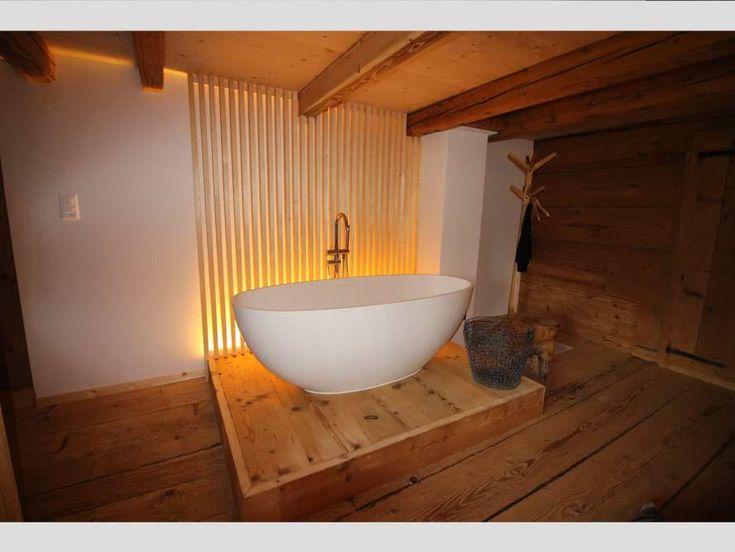 die besten 25 freistehende badewanne ideen auf pinterest freistehende wanne badezimmer und. Black Bedroom Furniture Sets. Home Design Ideas