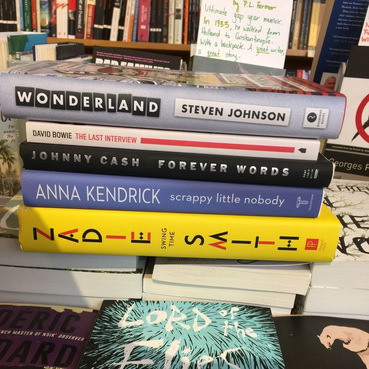 """Tuesday is for new releases ! Here are the books picked by Kate, especially for you !  """"Wonderland"""", from Steven Johnson (Penguin Random House) """"The last interview"""", from David Bowie (Melville House Publishing) """"Forever words, The unknown poems"""", from Johnny Cash (Penguin Random House) """"Scrappy little nobody"""", from Anna Kendrick (Touchstone Books) """"Swing Time"""", from Zadie Smith (Penguin Press)  Get them at 100 Bloom or on www.littlecitybooks.com !"""