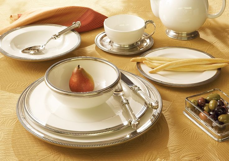 Perlina Collection captures a regal elegance. Handmade in Italy white ceramic is accented & 10 best Italian Dinnerware \u0026 Stemware images on Pinterest | Dinner ...