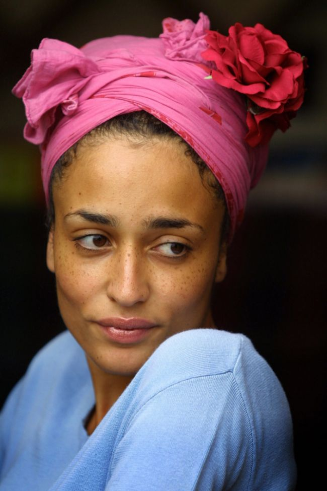 CurlsUnderstood.com:  Zadie Smith. (Picture: Colin McPherson)