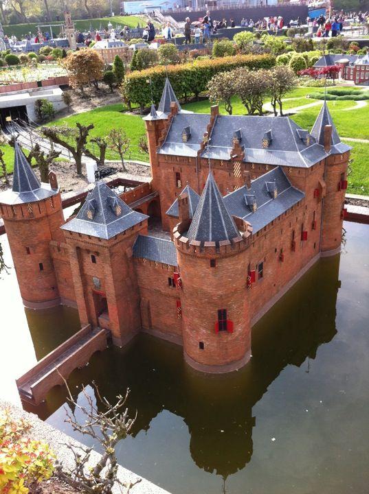 Madurodam in Den Haag - Daisy's reis door #Nederland in 22 foto's... in #Madurodam: http://daisypioneer.reis-blogs.nl/2015/09/28/22-fotos-van-mijn-rondreis-door-nederland-madurodam/