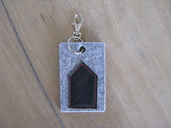 minimal house keychain key fob - black house bag charm or keychain - grey felt and black leather - new house gift - free shipping