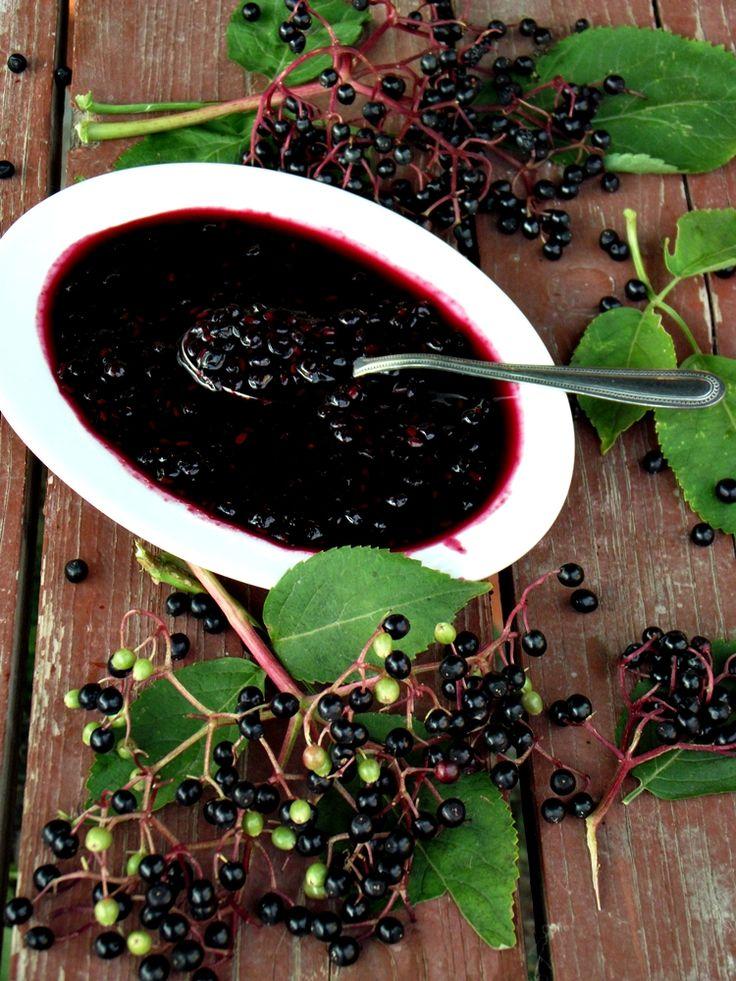 CAIETUL CU RETETE: Dulceata din fructe de soc