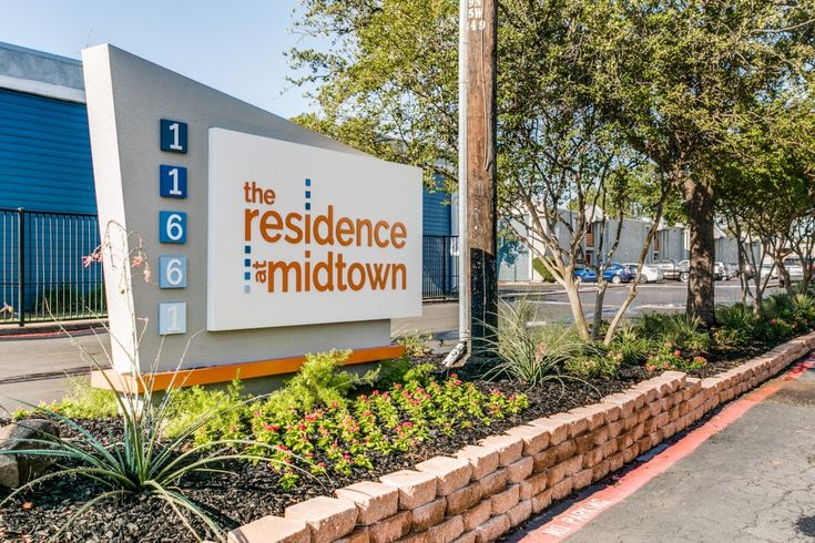 See all available apartments for rent at The Residence at Midtown in Dallas, TX. The Residence at Midtown has rental units ranging from 456-990 sq ft starting at $589.