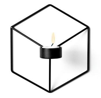 POV lysestake er designet av Note for Menu.21,6 x 19 x 10 cm, pulverlakkert stål.
