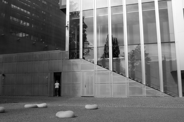 BERLIN / Netherlands Embassy (Rem Koolhaas, 2003)
