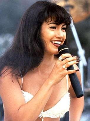 Young Jennifer Lopez Singing in Selena