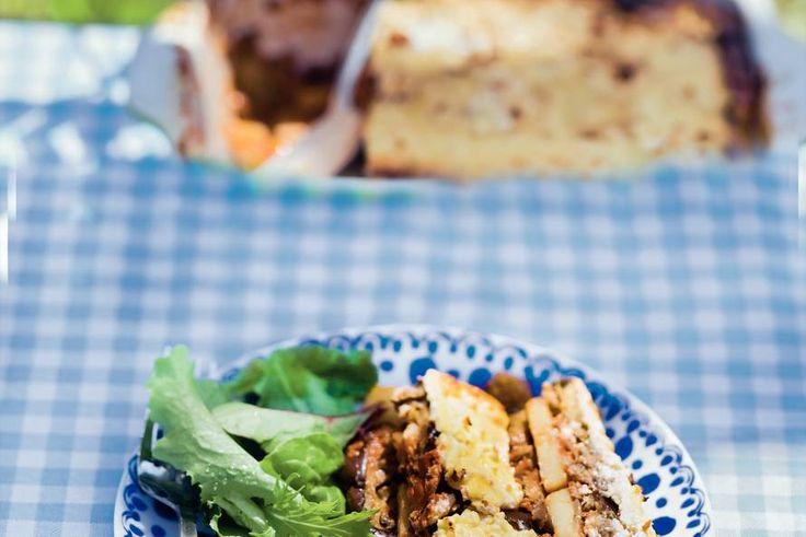 Moussaka met kaas en yoghurt - Recept - Allerhande