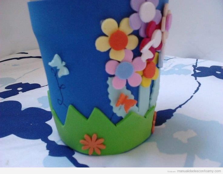 Manualidades goma eva, decorar una maceta   Foami   Pinterest ...