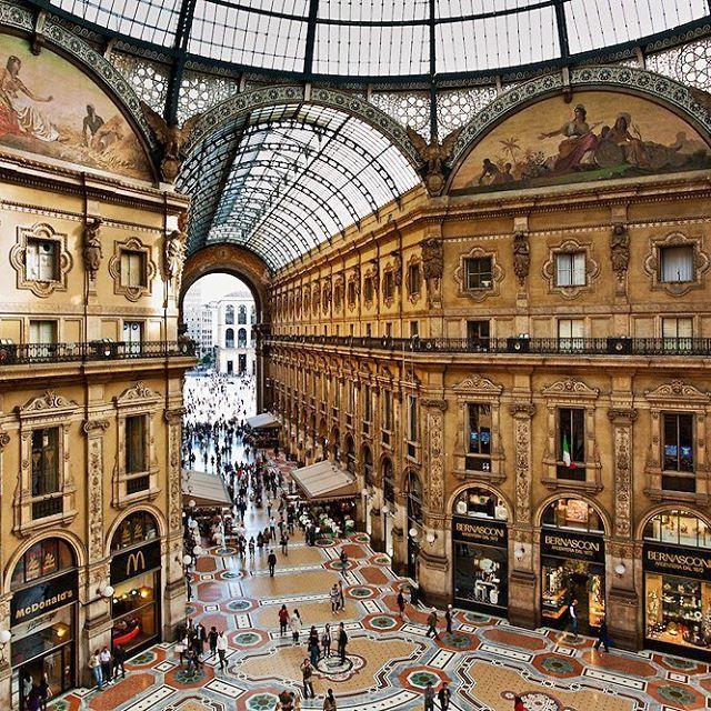 #Fashion capital - #Milan - a place for a #luxurywedding:) Столица моды – Милан – открывает бесконечные возможности для роскошной свадьбы у Альпийских гор.  Завораживающие мозаики и стеклянные своды одного из первых пассажей в Европе, Галереи Виктора Эммануила II, создает чувство пребывания внутри картины. А собор Дуомо, являющемся символом Милана, станет чудесным обрамлением для прогулки влюбленных.  http://www.dream-wedding-italy.ru/  Active link is in a profile.  #свадьбазаграницей…
