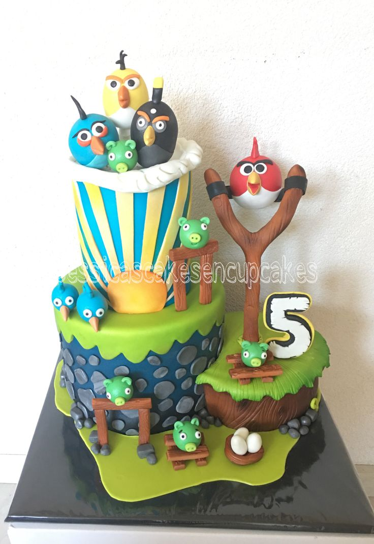 Angry birds birthday cake!