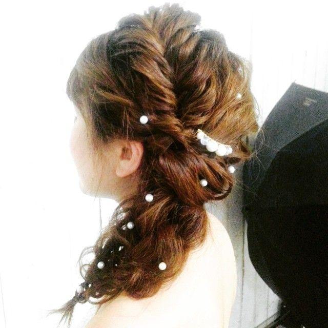 横からー!  #ウェディングヘア #メイク #ヘアアレンジ #花嫁 #fasion #wedding #weddinghairstyle #weddingphotography #hairdo #かわいいヘアアレンジ #あみこみ ヘア