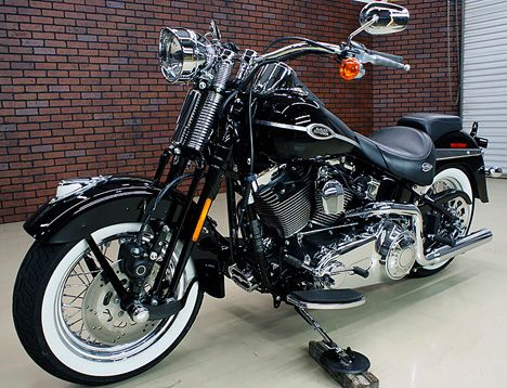Photo of 2007 Harley Davidson FLSTSC Springer Softail Motorbike.