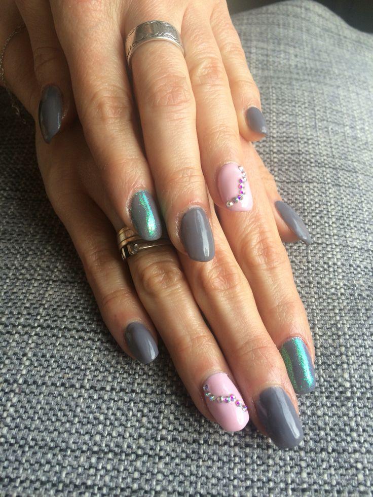 Gel nails mermaid effect