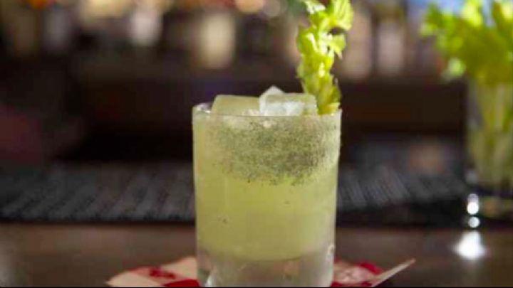 #Cocktail Inspiration : Green Girder 1.5 oz. #Gvine #Gin Floraison 1.0 oz fresh celery juice .75 oz lime juice .5 oz simple syrup .25 oz mezcal 1/8 oz Combier Kümmel 2 dashes Bittermens Orchard St. Celery Shrub