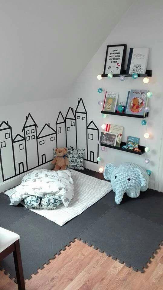 Leuk hoekje...die leuke huisjes en dat gebreide zeeblauwe olifantje!