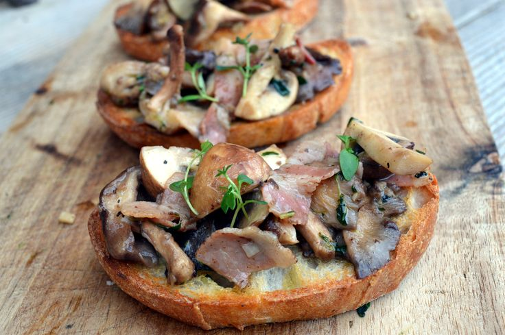 Mushroom toasts with bacon, thyme, garlic and roasted bone marrow