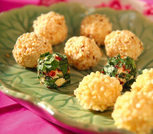Testa också finhackad mandel eller finhackad basilika blandad med chiliflakes istället för sesamfrön!