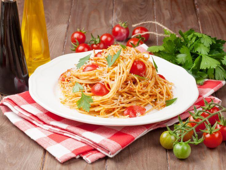 Cette version d'une specialité du Sud de l'Italie, requiert une toute petite grillade pour les tomates, pour mieux en faire ressortir la saveur.