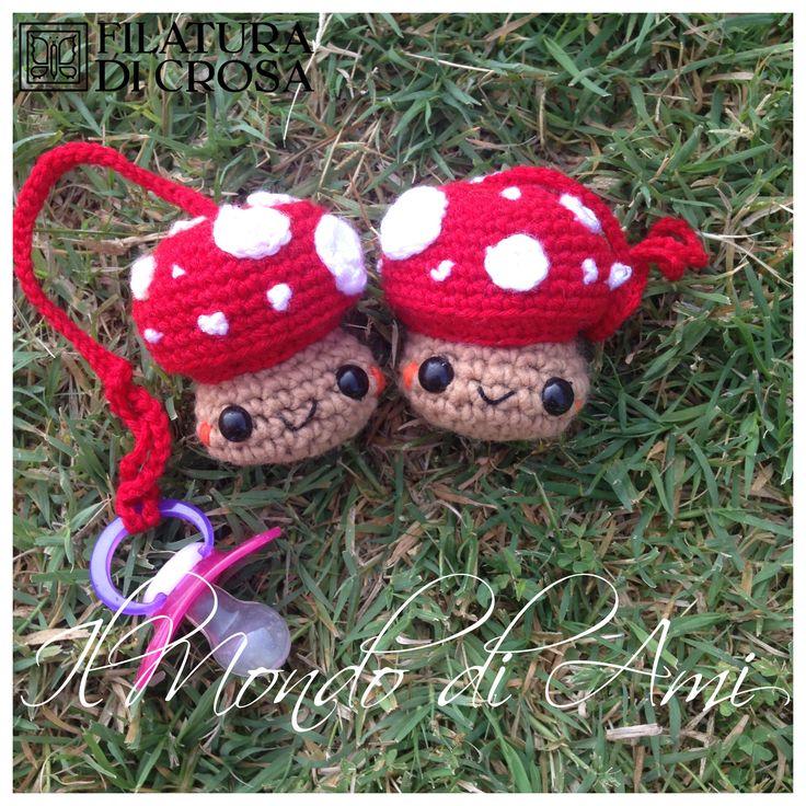 """Portaciucci funghetto #amigurumi #crochet #handmade realizzati con filato """"Zara"""" e """"Microfibra Excellent Baby"""" Filatura di Crosa Italia"""