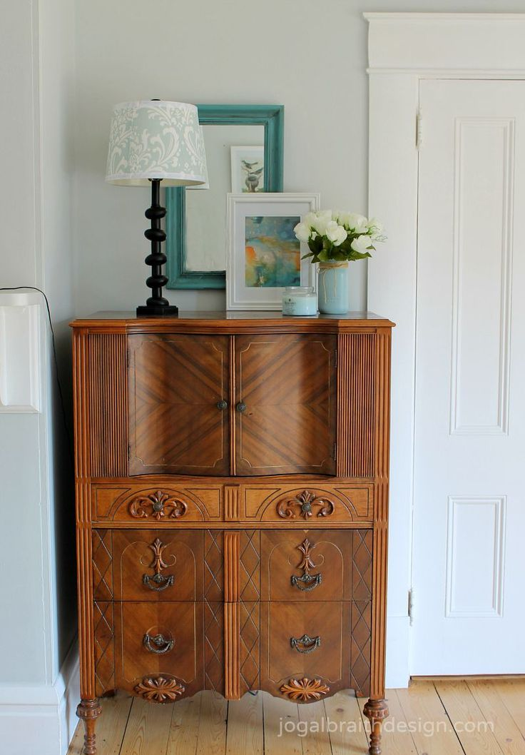 Since I have found a new way to bring order to my family's clothing I am sharing 7 steps for awesome dresser drawer organization that will change your life.