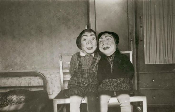 23 Creepy Halloween Costumes From The Early 20th Century