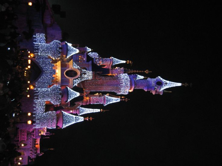 Some day I will see the castle at Christmas in person!