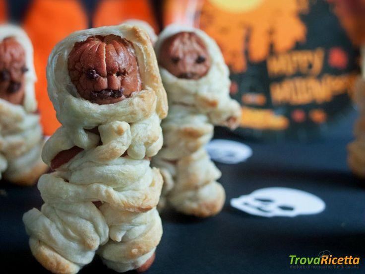 The walking hot dog | Würstel mummia di sfoglia  #ricette #food #recipes