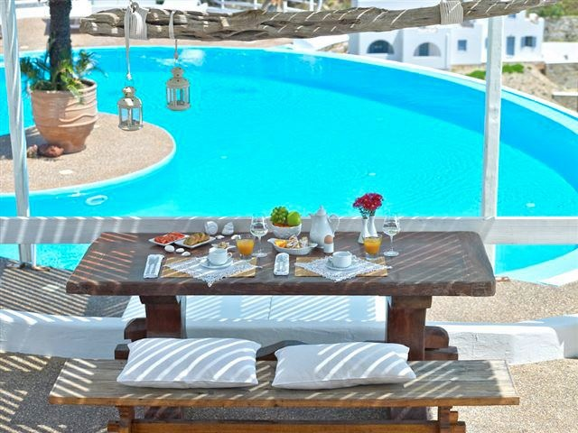 Greek breakfast next to the swimming pool of Levantes Boutique Hotel... #summer #summer_love #ios #ios_island  #greece