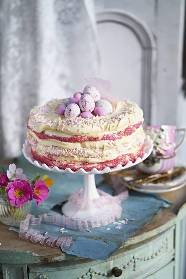 Supergott recept på påsktårta med maräng. Enkelt och tydligt att följa, steg för steg. Mitt kök – recept till både vardag och fest!