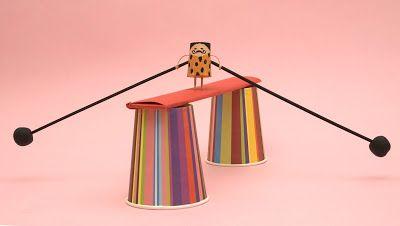 El Taller de Pepa: EQUILIBRISTA -  Material necesario: . 1 corcho     . palillos de dientes     . cinta de pintor     . alambre     . 2 palillos de brocheta     . plastilina