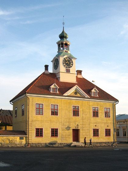 Raatihuone  The Old Town Hall (1776) by the Market Square in the little town Rauma is nowadays a museum.