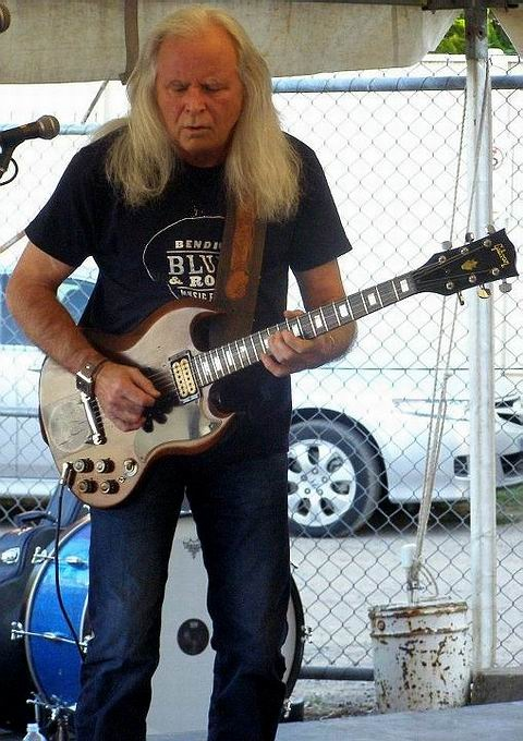 At the Bendigo Blues & Roots Festival Fundraiser, April 14, 2012