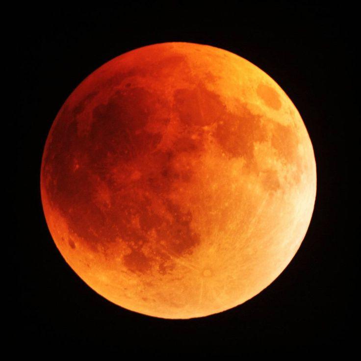 242 отметок «Нравится», 14 комментариев — Info Astronomy (@infoastronomy) в Instagram: «HARI INI satu tahun yang lalu, peristiwa Gerhana Bulan Total terlihat di Indonesia.  Masih ingat?…»
