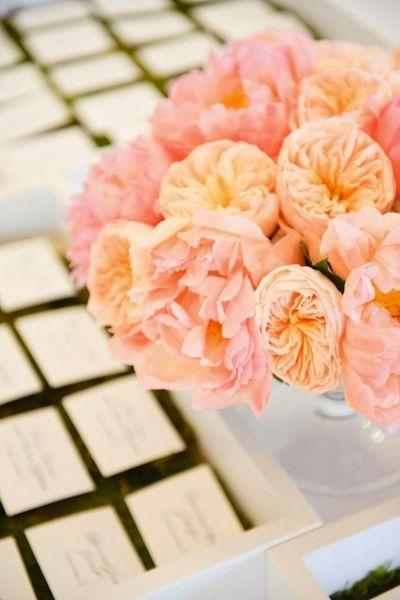 Lovely peonies as decors and for centerpieces #peachcoral #peachcoralwedding #weddingdecor #flowers #centerpiece