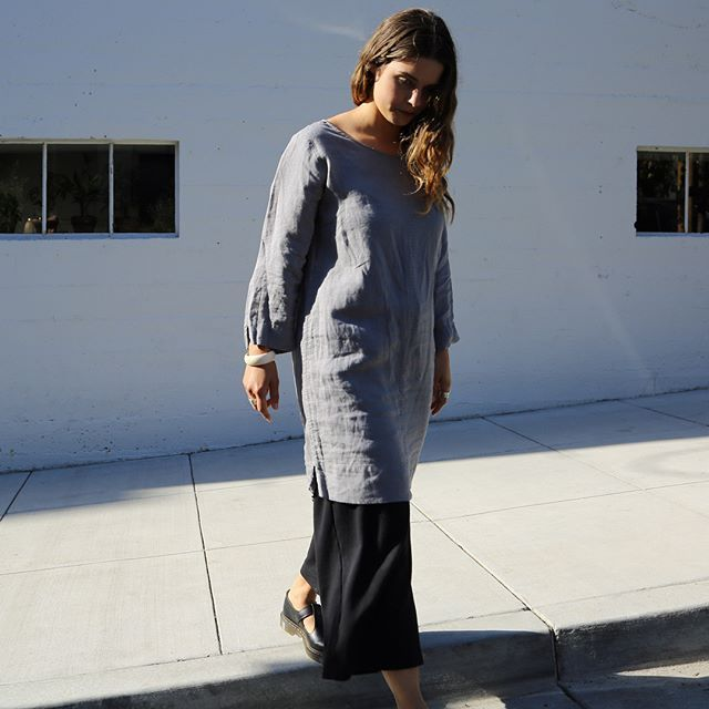 Lauren of @hun__honey & Marketing Coordinator at @SierraClub wears our new Organic Montara Linen Tunic in Slate. I like knowing where my clothes come from, I feel better about wearing an item that I know was made sustainably. Shop the look via link in b