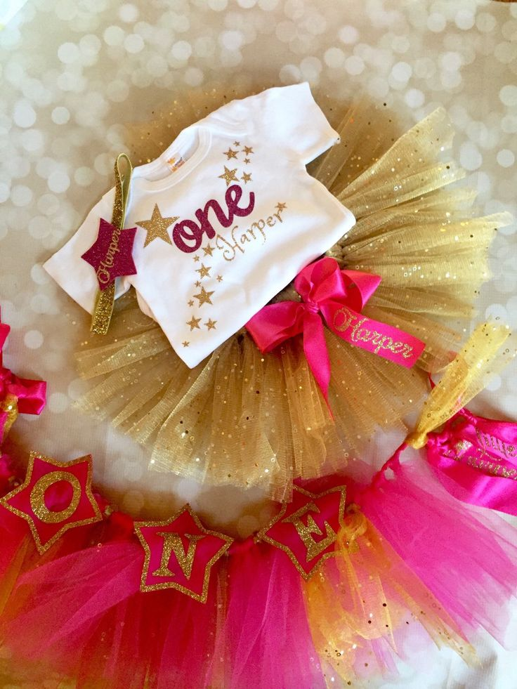 Twinkle Little Star Birthday Girl Package - Gold and Fuschia - Party Decoration Set - Outfit and Banner- 4 Piece Set by AdelineRoseBoutique on Etsy https://www.etsy.com/listing/259274788/twinkle-little-star-birthday-girl