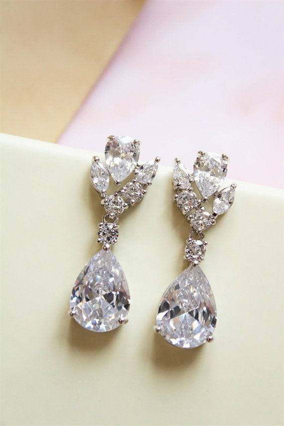 Bridal Jewelry Bridal Earrings Crystal Earrings Wedding Etsy Bridal Earrings Vintage Wedding Earrings Vintage Style Simple Wedding Earrings