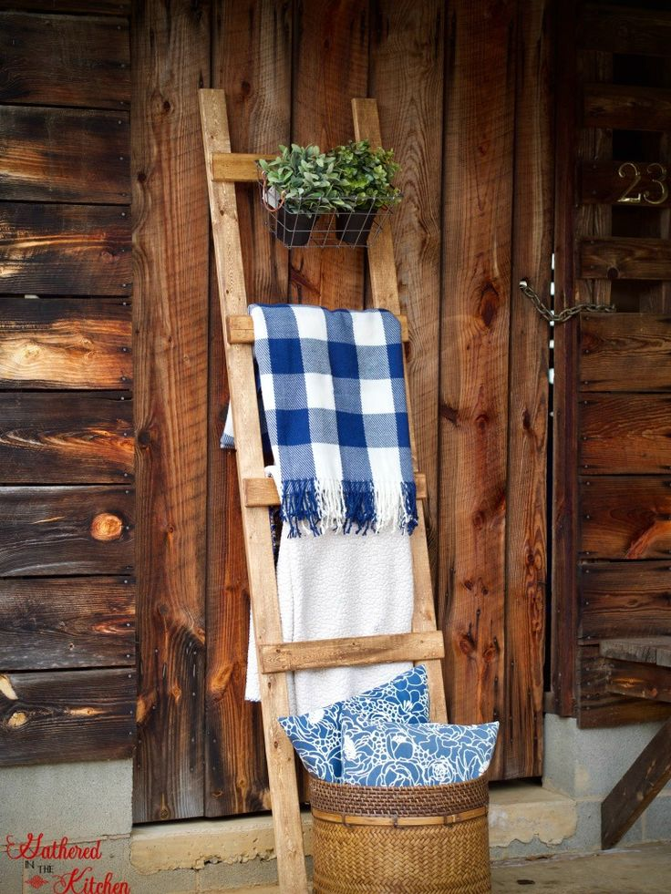 DIY Wooden Blanket Ladder Only 4 in 30 Minutes